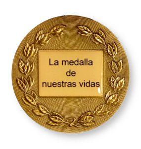 Grabado en el reverso de la medalla