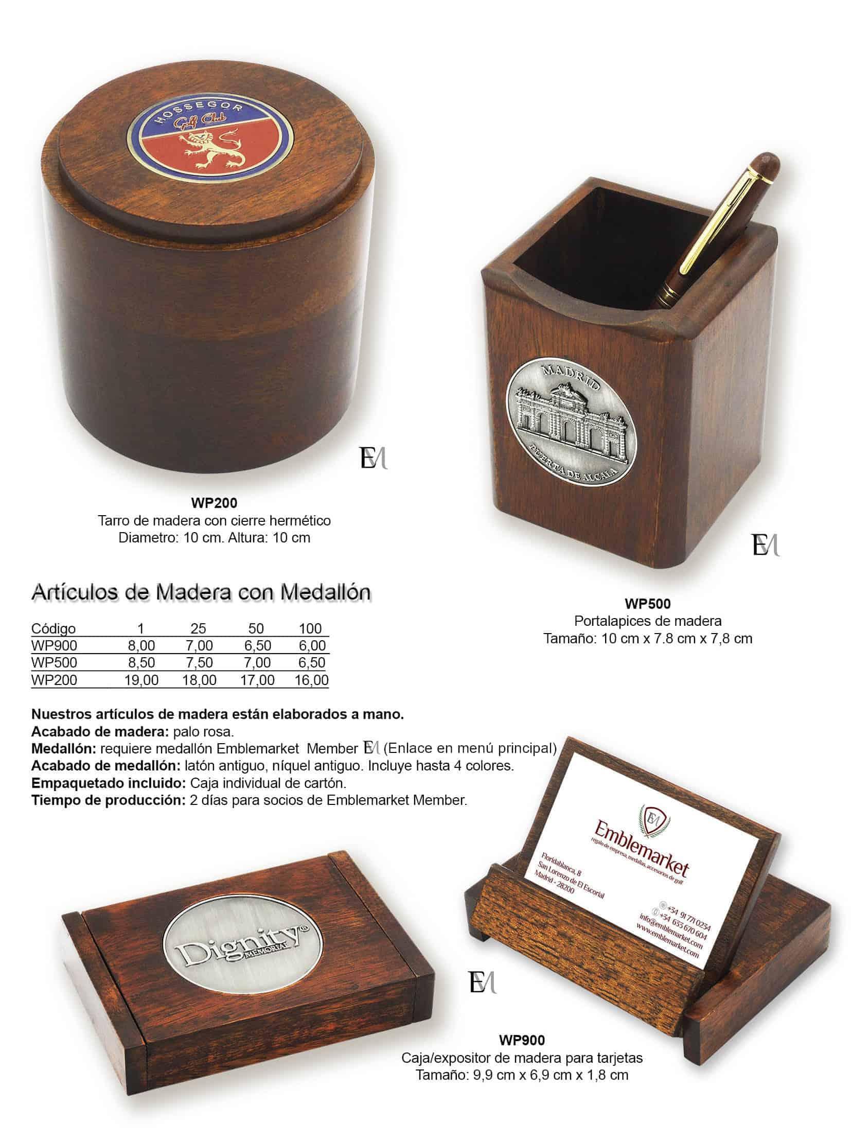 Artículos de madera con medallón personalizado